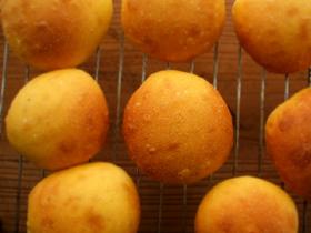 ホシノでかぼちゃミニ食パンと丸パン_c0110869_16515349.jpg