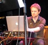 アイスランド音楽フェスIceland Airwaves2日目:KiraKira, Nilfisk,Stereo Hypnosis, Worm is Green他_c0003620_9182932.jpg