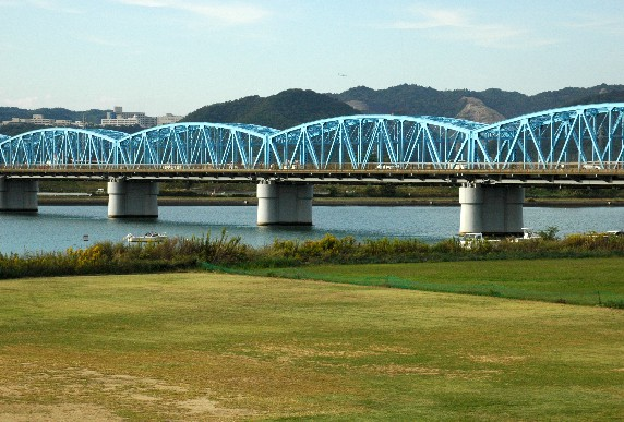 川のある風景_b0093754_0165630.jpg