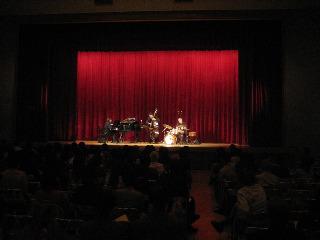 Mike Del Ferro Trio、TRIO\'のツアー、無事に終わりました!今はBBB+Jacqeeのツアーをやっています!_e0125069_1044885.jpg