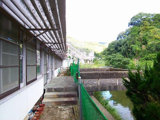 日土小学校_e0042581_13383441.jpg