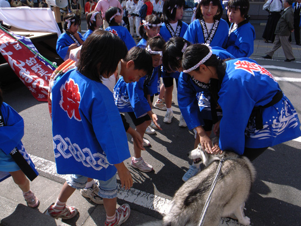 お祭りの子供たち_c0049299_2039246.jpg