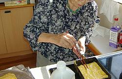 お昼ごはん作り 和食編<アクティブライフ山芦屋・グループホーム>_c0107602_9101753.jpg