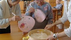 お昼ごはん作り 和食編<アクティブライフ山芦屋・グループホーム>_c0107602_994841.jpg