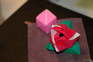 magic rose cube_b0119289_2571032.jpg