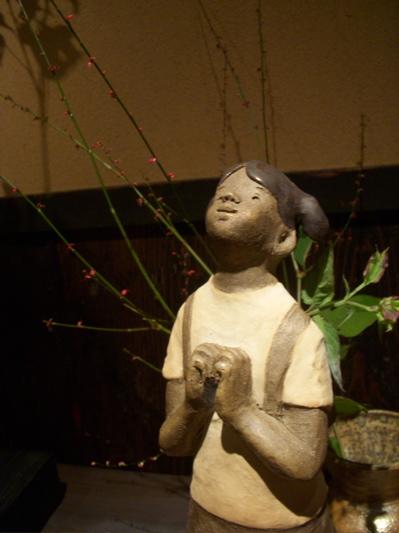 陶人形と花のある空間 『欒(まどい)』さんでの作品展_f0018417_2372810.jpg