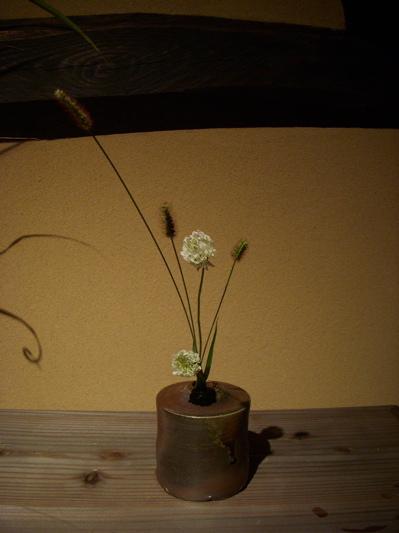 陶人形と花のある空間 『欒(まどい)』さんでの作品展_f0018417_2384360.jpg