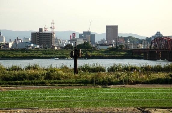 川のある風景_b0093754_23545638.jpg