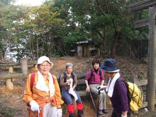 早朝ハイキング 旅伏山(456m) 参加5名_d0007657_11173757.jpg