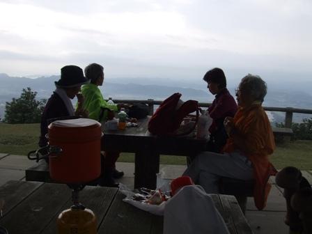 早朝ハイキング 旅伏山(456m) 参加5名_d0007657_11174983.jpg