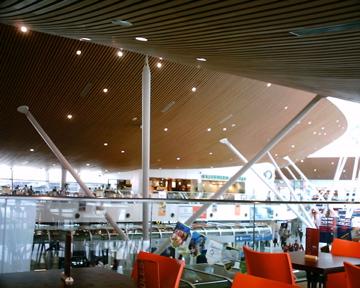出来事  クアラルンプール国際空港_d0111714_21444956.jpg