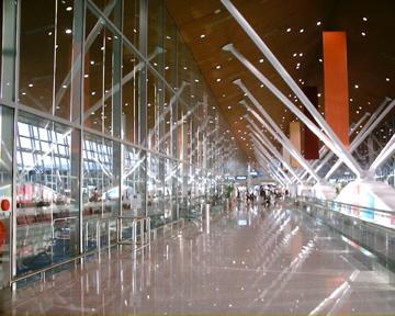 出来事  クアラルンプール国際空港_d0111714_2144631.jpg