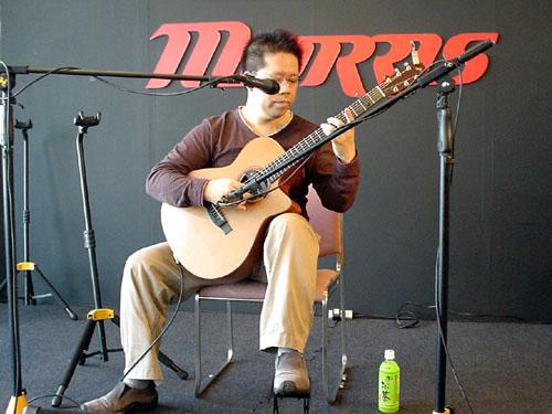 楽器フェアで南澤大介さん&中川イサトさんのライブを見て来ました_c0137404_2521666.jpg