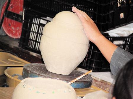 陶都に割拠するアーチスト虎の穴〜多治見市陶磁器意匠研究所へ潜入_b0081338_1351545.jpg