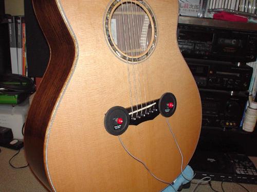 ギターは振動を与えると音が良くなるのか?_c0137404_2457.jpg