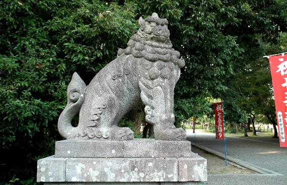 竈山神社 (かまやまじんじゃ)_b0093754_2353228.jpg