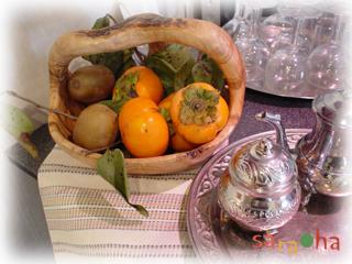 柿とオリーヴカゴ_b0114120_23330100.jpg