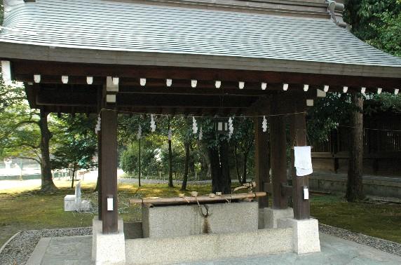竈山神社 (かまやまじんじゃ)_b0093754_2359891.jpg
