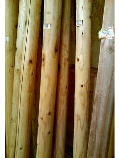 杉の円柱丸太_c0050900_18311612.jpg