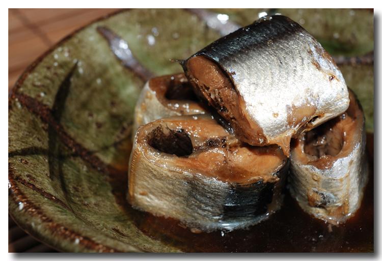 秋刀魚の筒煮 ほんのり山椒風味(前編)..... 骨までホクホク食せます!_d0069838_132083.jpg