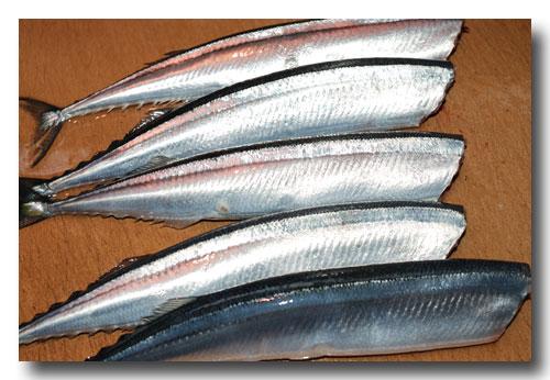 秋刀魚の筒煮 ほんのり山椒風味(前編)..... 骨までホクホク食せます!_d0069838_14351990.jpg