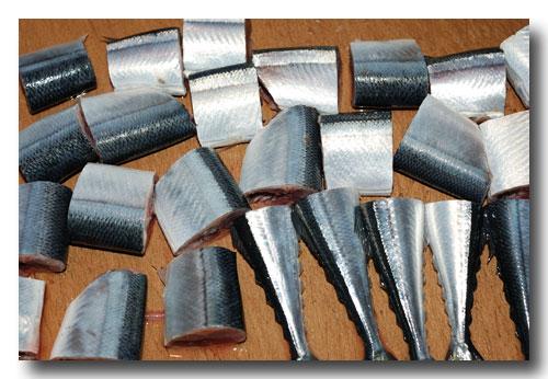 秋刀魚の筒煮 ほんのり山椒風味(前編)..... 骨までホクホク食せます!_d0069838_14361398.jpg