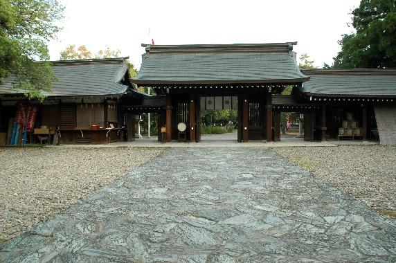 竈山神社 (かまやまじんじゃ)_b0093754_024587.jpg