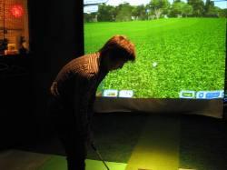 バーチャルゴルフでございます。_d0091909_18381438.jpg