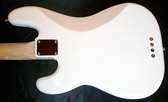まっ白い「当店オリジナル Punksision Bass」が完成!_e0053731_20265761.jpg