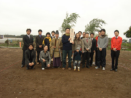 芋掘り地鎮祭_f0088873_1817788.jpg