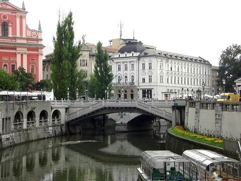 2日目(8/23):スロヴェニア 首都「リュブリャーナ」(1)_a0039199_21215746.jpg