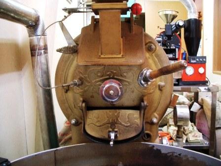 中古焙煎機売ります。・・・・直火8キロ釜ラッキー改造_c0020639_23392436.jpg