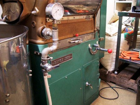 中古焙煎機売ります。・・・・直火8キロ釜ラッキー改造_c0020639_2341275.jpg