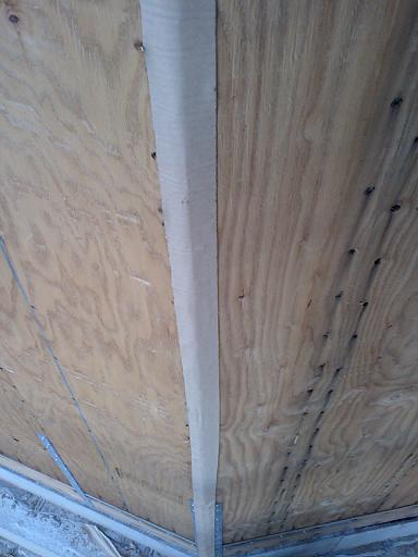 屋根工事と外壁の隙間_c0108065_201246.jpg