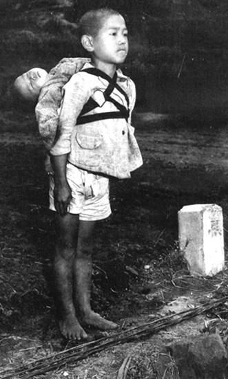 「焼き場に立つ少年」 (長崎 原爆)_c0146783_2118862.jpg
