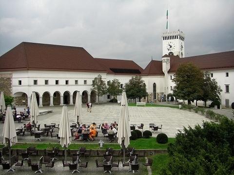 2日目(8/23):スロヴェニア 首都「リュブリャーナ」(2)_a0039199_20403177.jpg