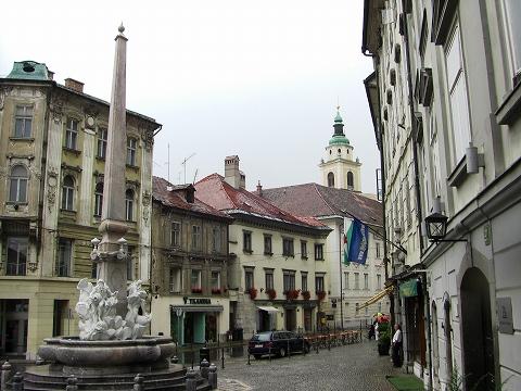 2日目(8/23):スロヴェニア 首都「リュブリャーナ」(2)_a0039199_20463988.jpg