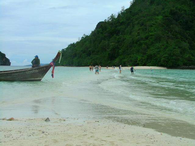 タイの風景 クラビー周辺は魅惑の島がいっぱい!_f0024992_9185538.jpg