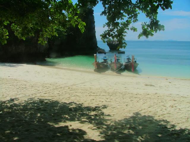 タイの風景 クラビー周辺は魅惑の島がいっぱい!_f0024992_962519.jpg