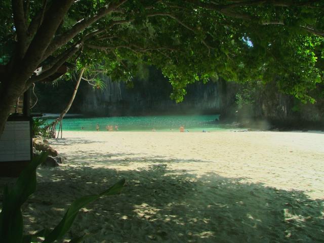 タイの風景 クラビー周辺は魅惑の島がいっぱい!_f0024992_964586.jpg