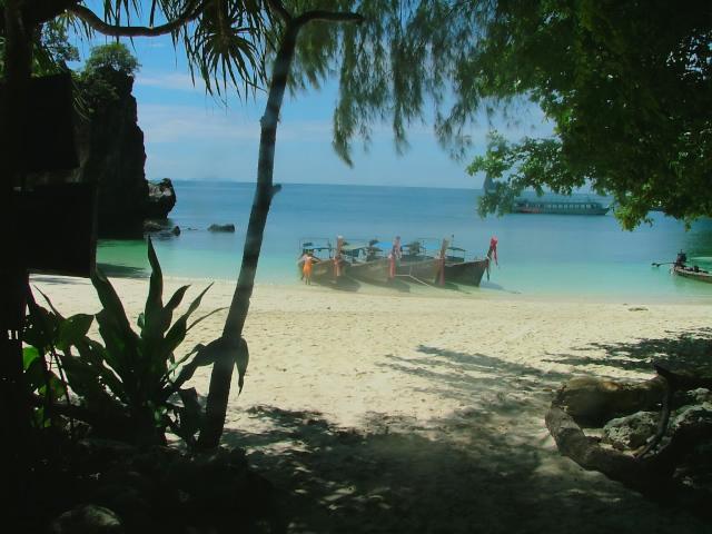 タイの風景 クラビー周辺は魅惑の島がいっぱい!_f0024992_973285.jpg