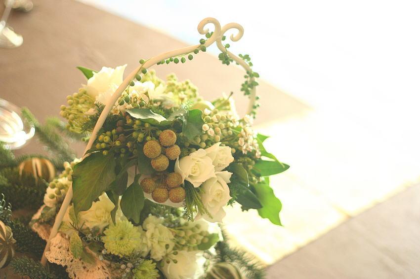 ホテル様への装花 白バラとグリーンネックレス_a0042928_18133068.jpg