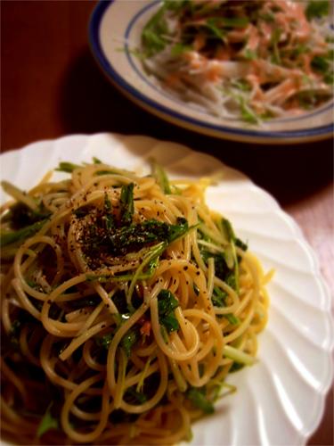 水菜とアンチョビのパスタ_c0131054_2381539.jpg