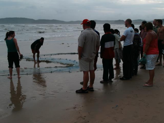 タイの風景 網を曳く男_f0024992_932893.jpg
