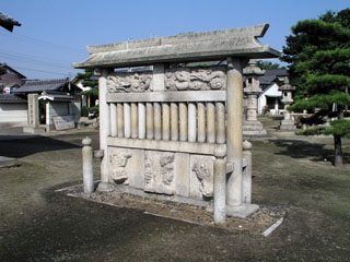 稲沢市北麻績町神明社の蕃塀_e0113570_0225076.jpg