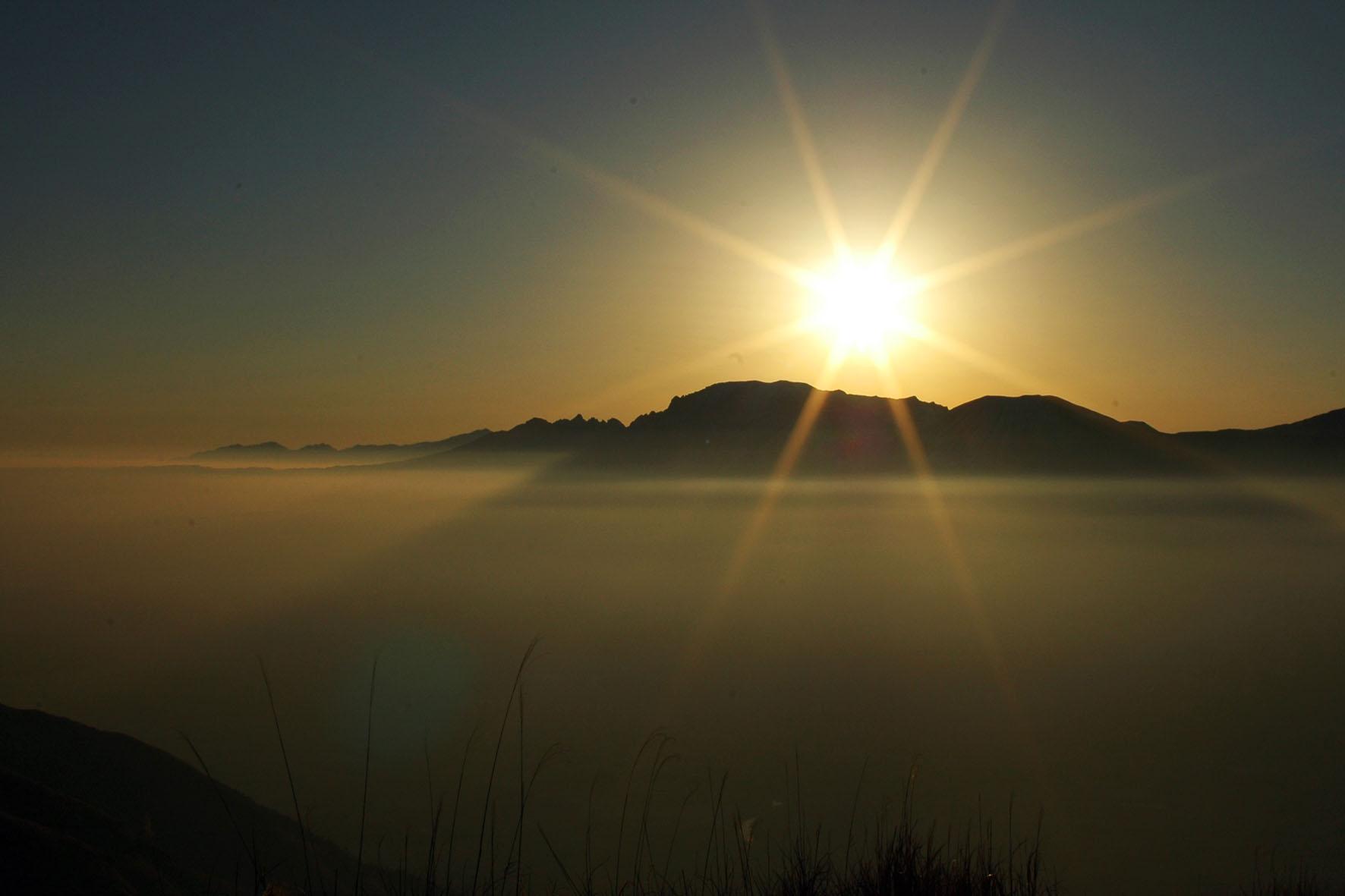 カレンダー 2015年カレンダー フリー : Japanese Sunrise