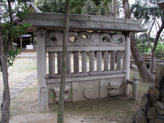 稲沢市下津寺前町八幡社の蕃塀_e0113570_2128425.jpg