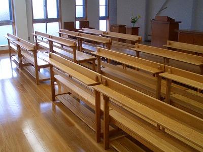 教会の椅子_c0087349_21103876.jpg