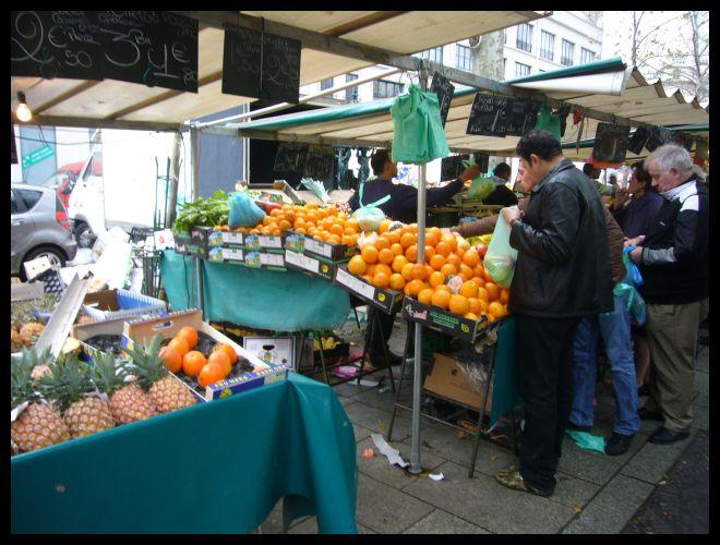 ■バスティーユのマルシェにて(パリ)_a0014299_23133999.jpg