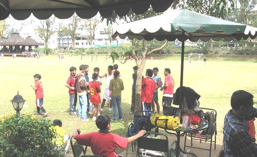 バギオのサッカー・チームBFCが マニラのトーナメントに参戦!_a0109542_23195485.jpg